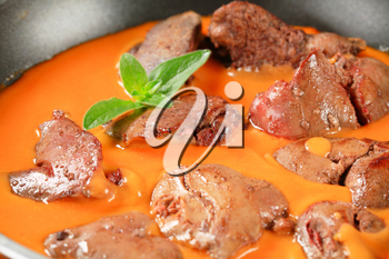 Chicken liver with tomato sauce