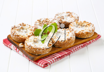 Apple crumble cookies dusted with icing sugar
